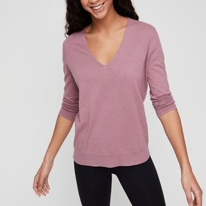 The Group by Babaton Luxe Cashmere V-Neck size S